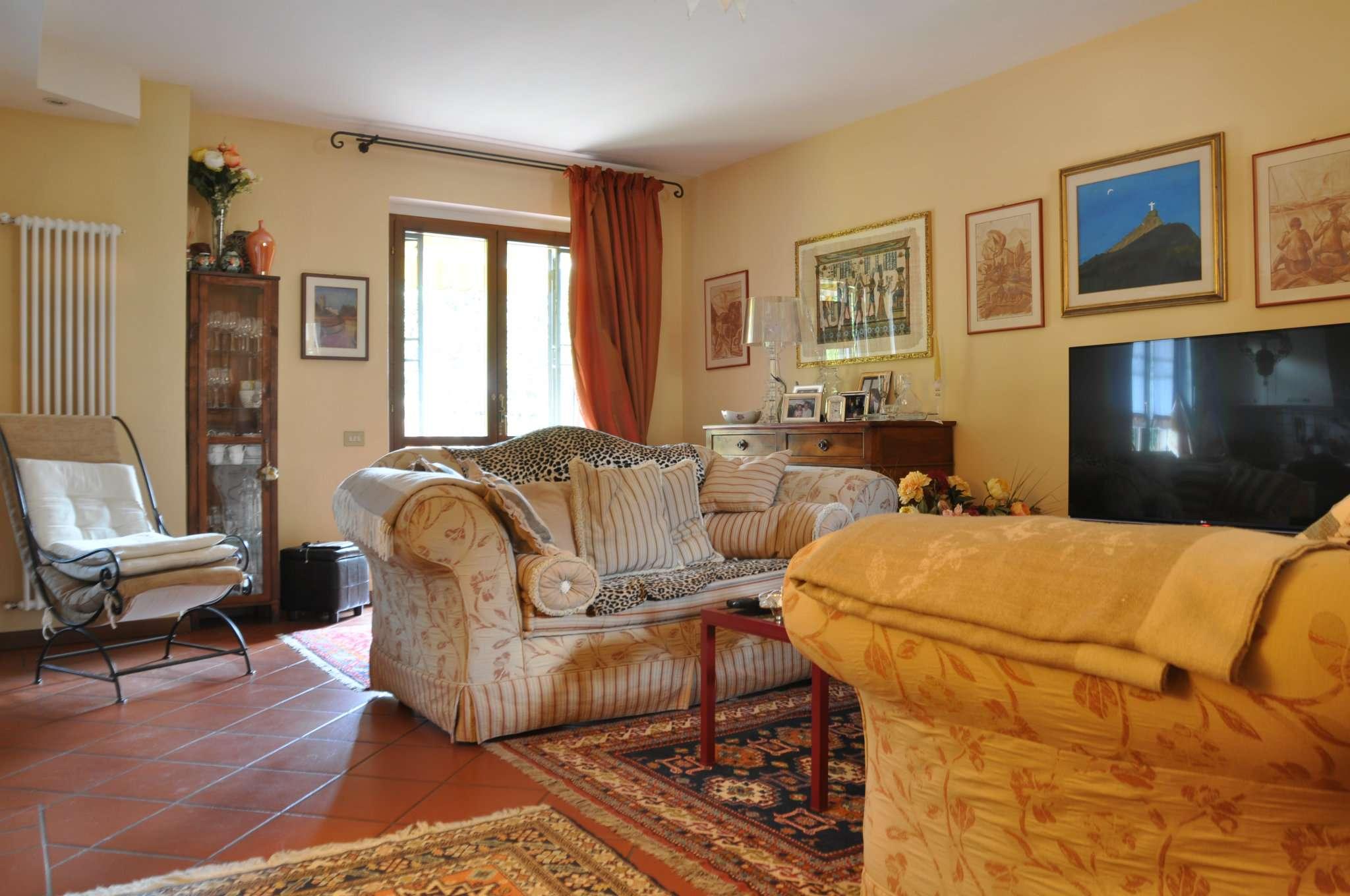 Soluzione Indipendente in vendita a Pistoia, 6 locali, prezzo € 270.000 | Cambio Casa.it