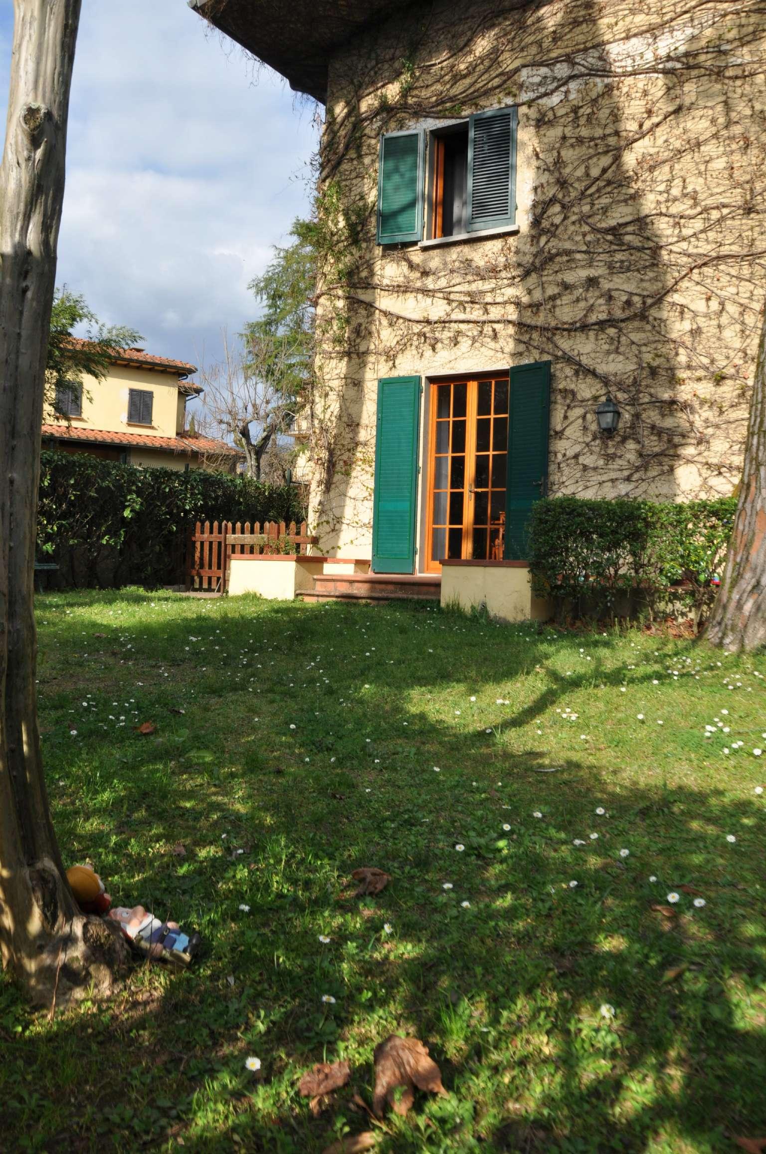 Soluzione Indipendente in affitto a Pistoia, 8 locali, prezzo € 1.100 | CambioCasa.it