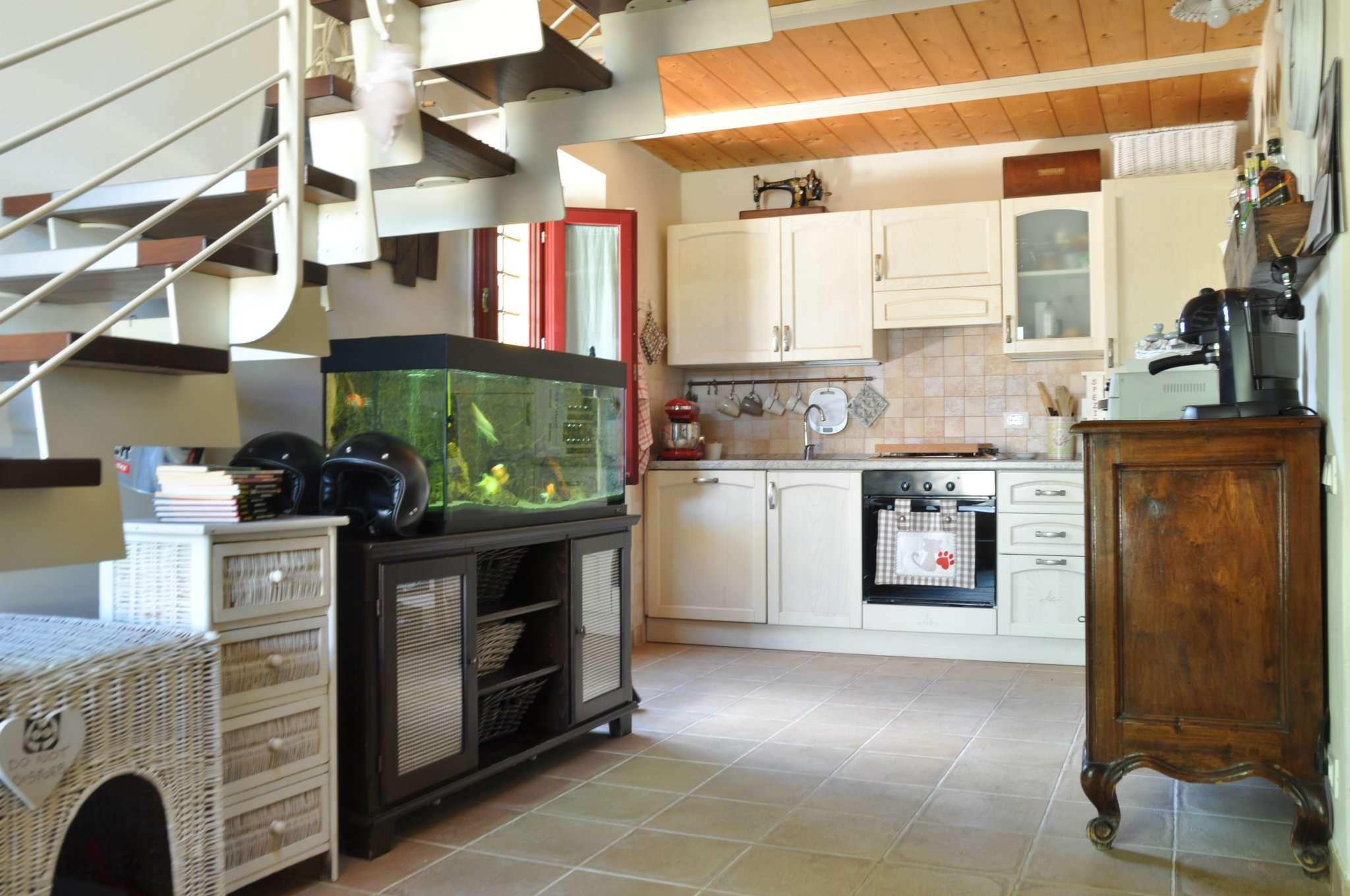 Soluzione Indipendente in affitto a Pistoia, 3 locali, prezzo € 600 | Cambio Casa.it