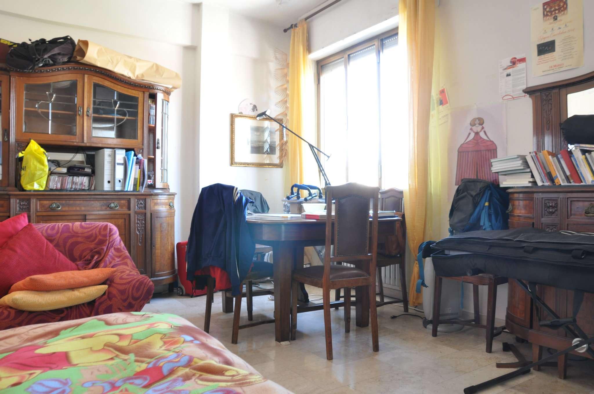 Appartamento in affitto a Pistoia, 6 locali, prezzo € 600 | CambioCasa.it