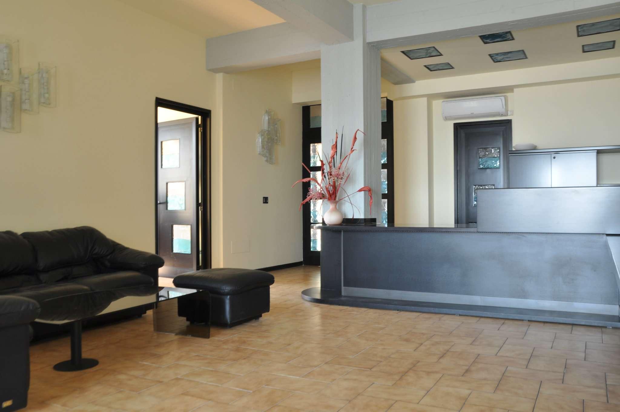 Ufficio / Studio in vendita a Pistoia, 6 locali, prezzo € 250.000 | CambioCasa.it