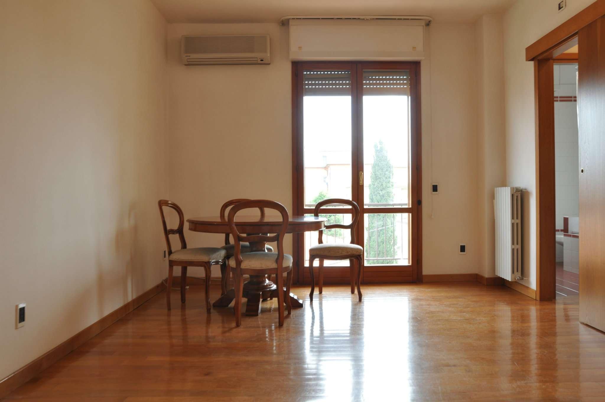 Appartamento in affitto a Pistoia, 3 locali, prezzo € 600 | CambioCasa.it