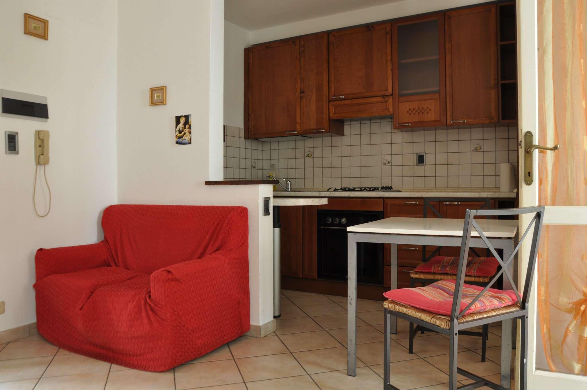 Appartamento in affitto a Pistoia, 2 locali, prezzo € 430 | Cambio Casa.it