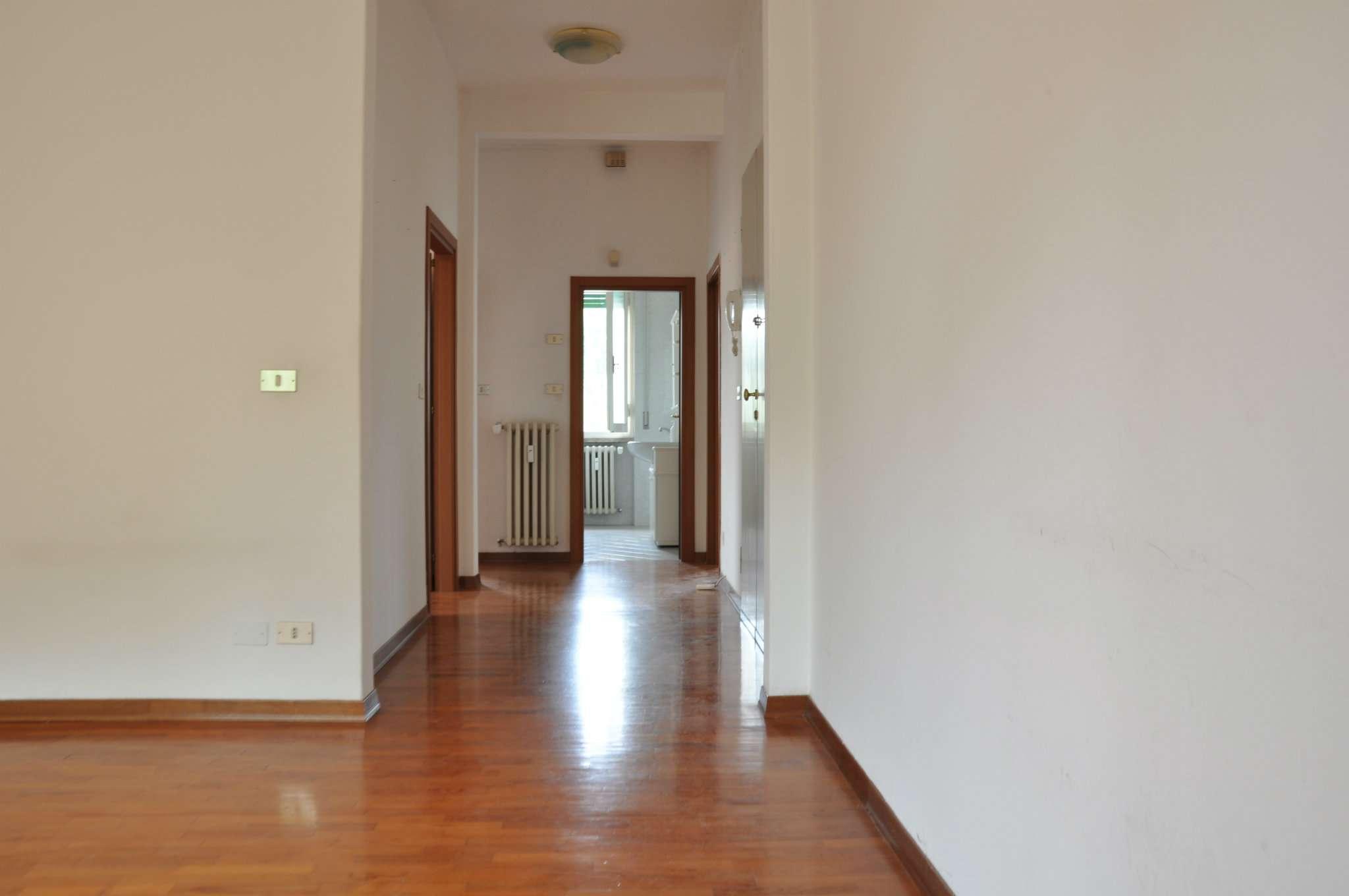 Appartamento in affitto a Pistoia, 5 locali, prezzo € 530   CambioCasa.it