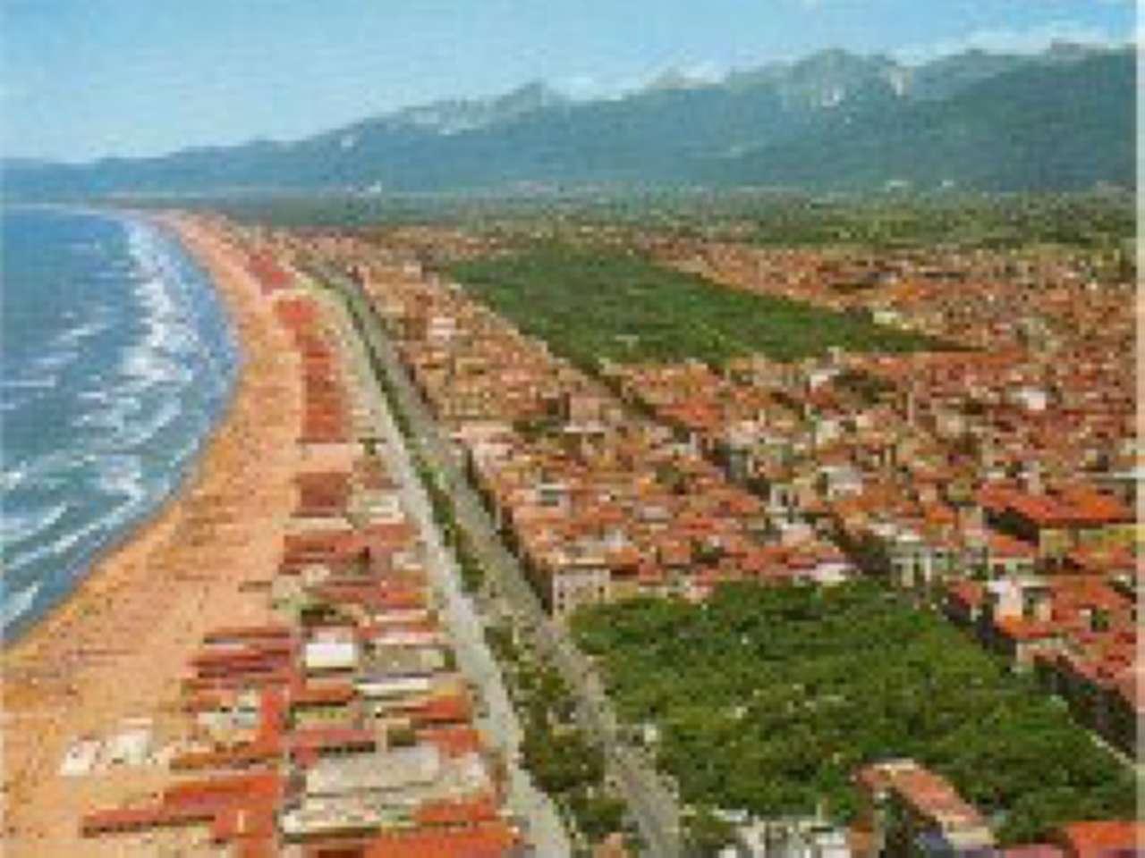 Negozio / Locale in vendita a Viareggio, 2 locali, Trattative riservate | CambioCasa.it