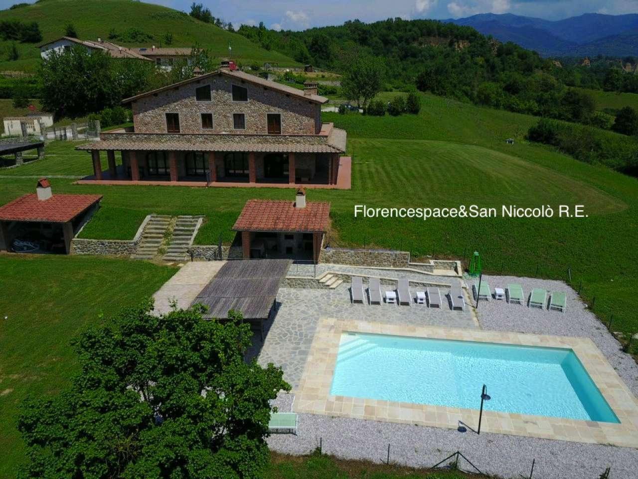 Villa in vendita a Reggello, 14 locali, prezzo € 1.250.000 | Cambio Casa.it