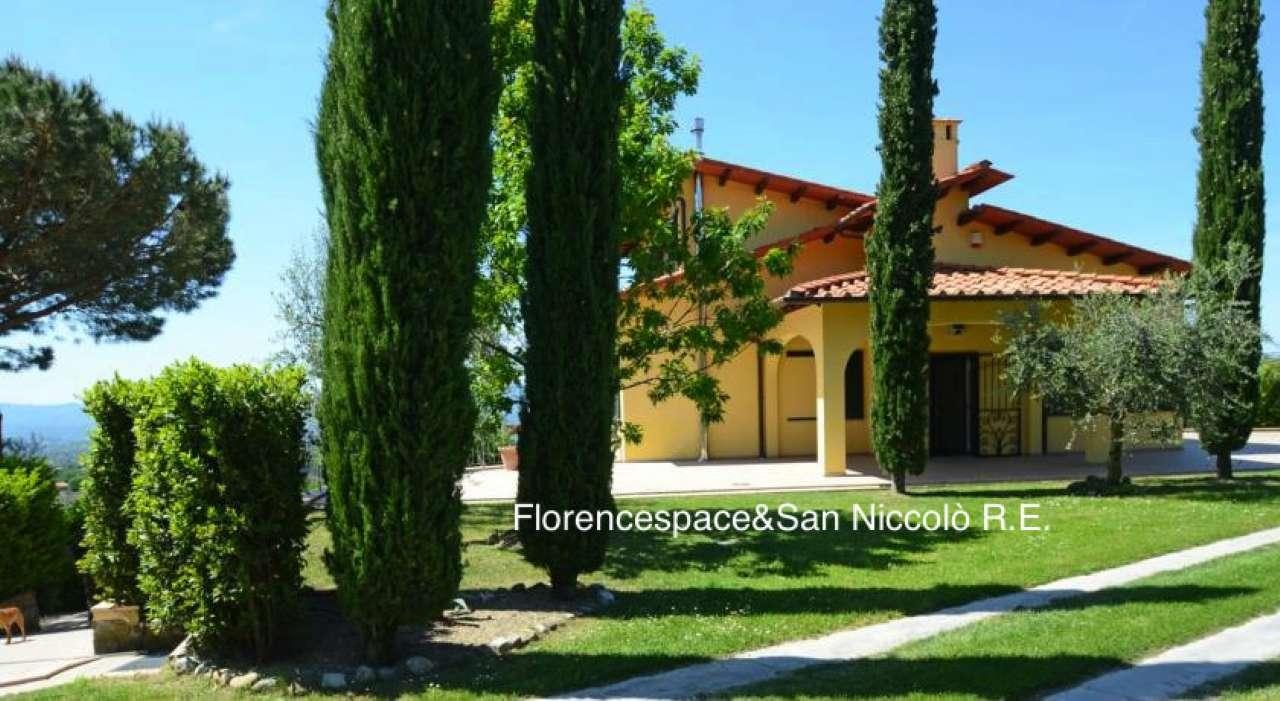 Villa in vendita a Reggello, 8 locali, prezzo € 990.000 | CambioCasa.it