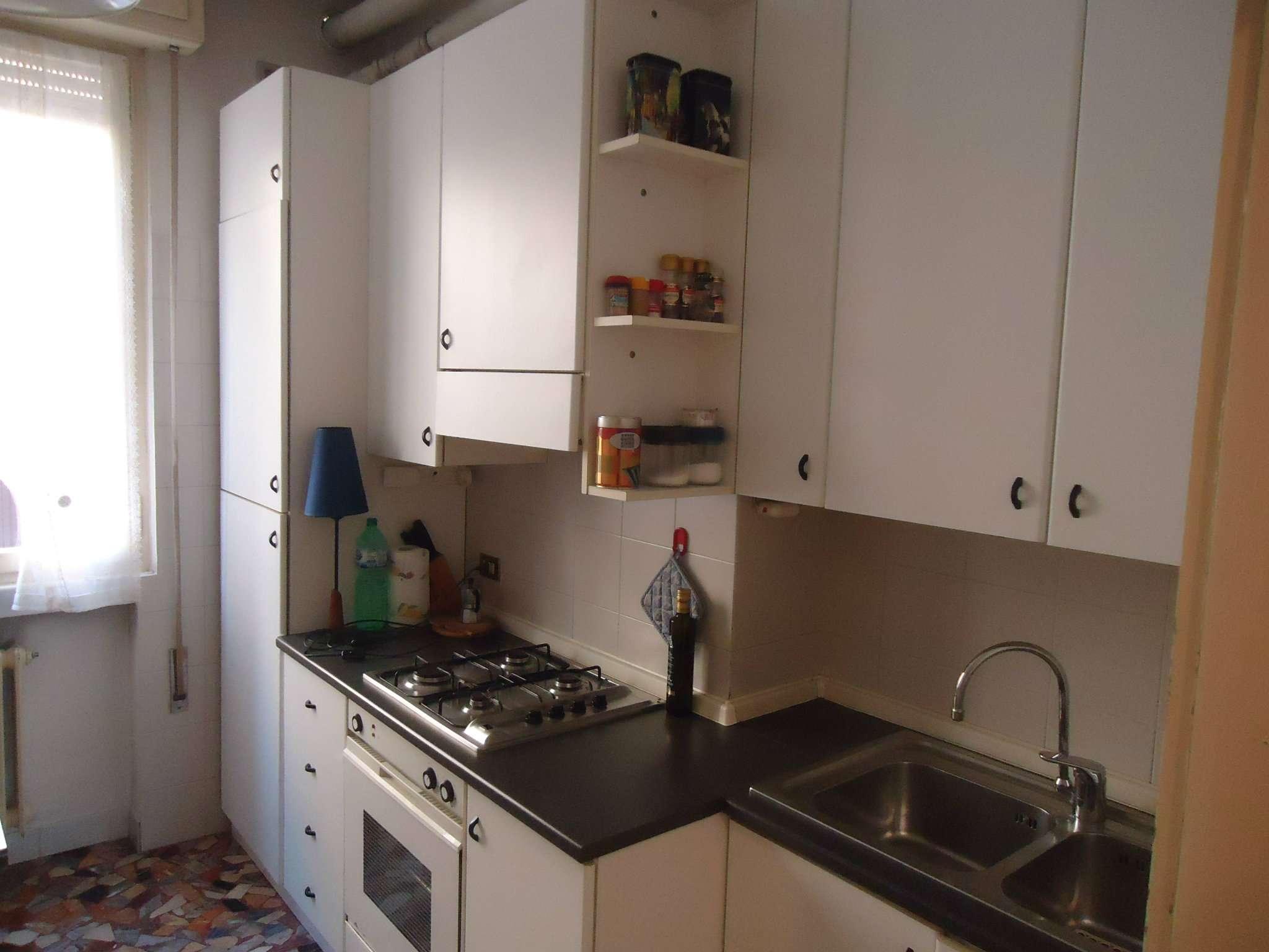 Appartamento in vendita a Padova, 4 locali, zona Zona: 2 . Nord (Arcella, S.Carlo, Pontevigodarzere), prezzo € 65.000 | CambioCasa.it