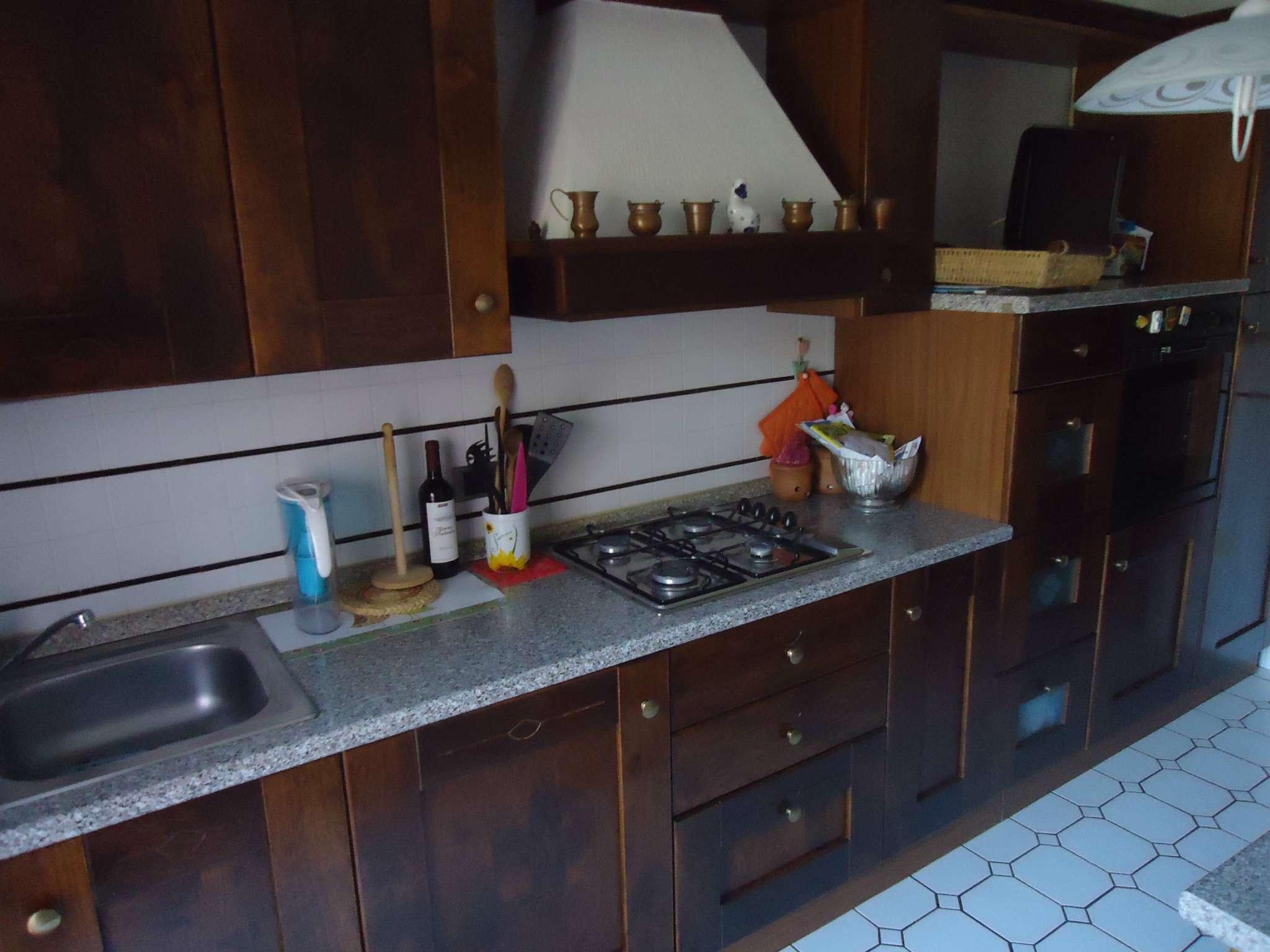 Annunci immobiliari agenzia agenzia immobiliare san for Piani di appartamento garage due camere da letto