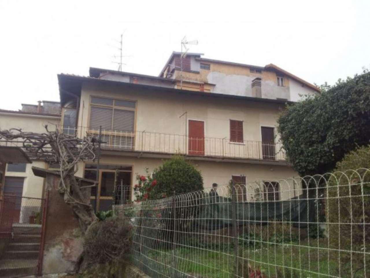 Soluzione Indipendente in vendita a Carnago, 6 locali, prezzo € 95.000 | Cambio Casa.it