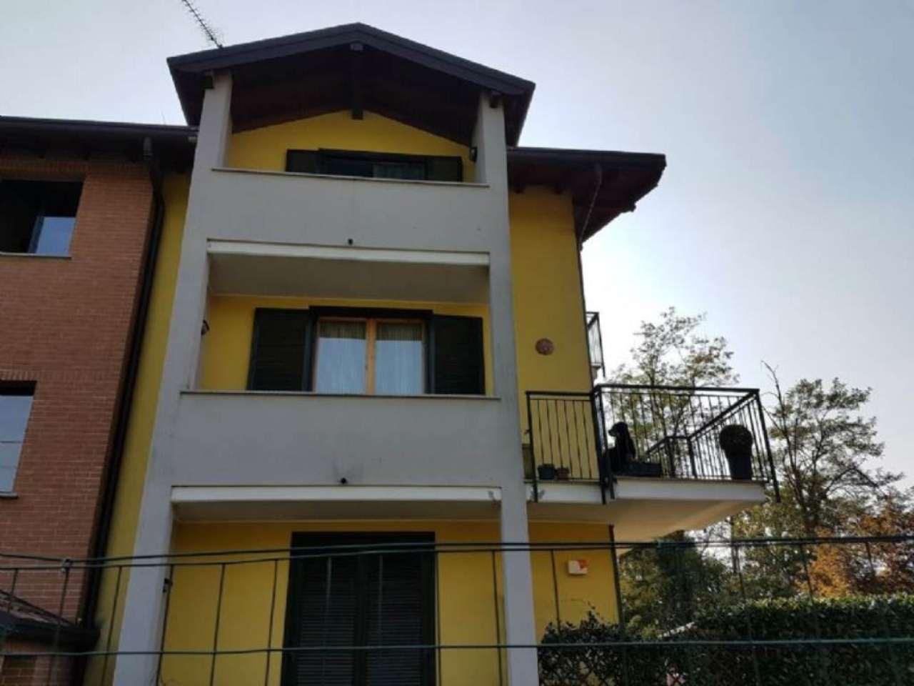 Appartamento in vendita a Carnago, 3 locali, prezzo € 150.000 | Cambio Casa.it
