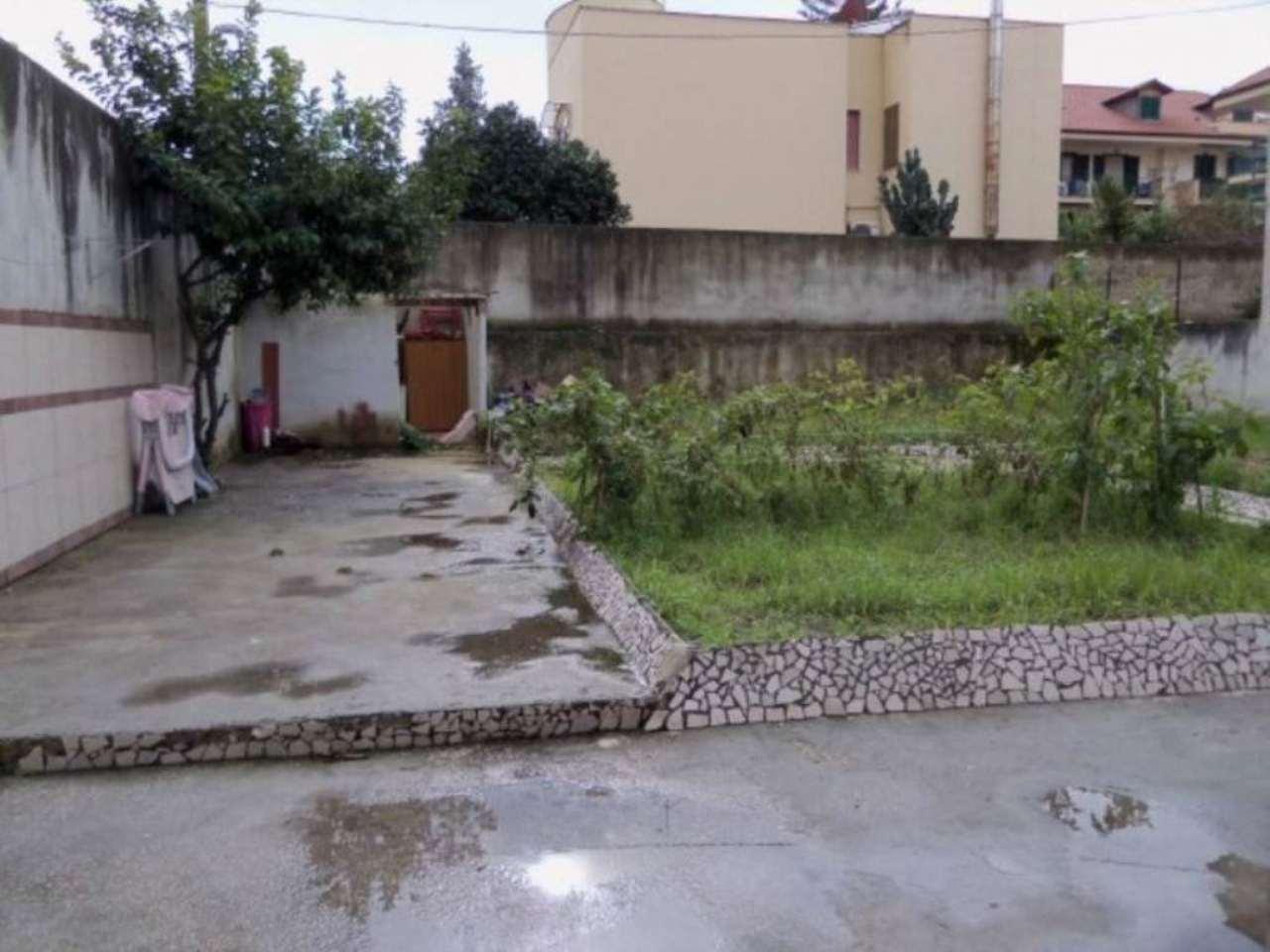 Bilocale Giugliano in Campania Via Colonne 13