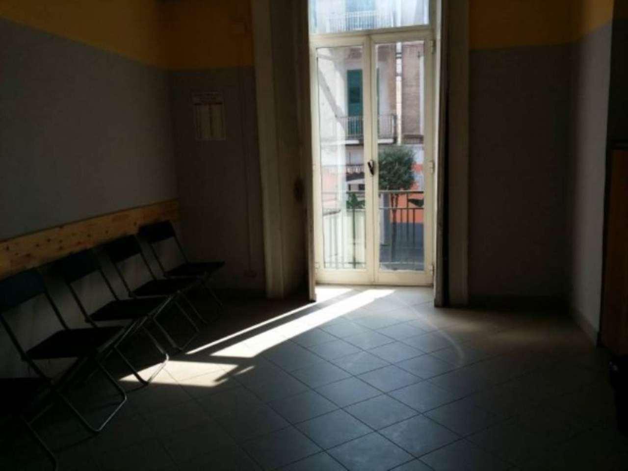 Bilocale Napoli Corso Secondigliano 5