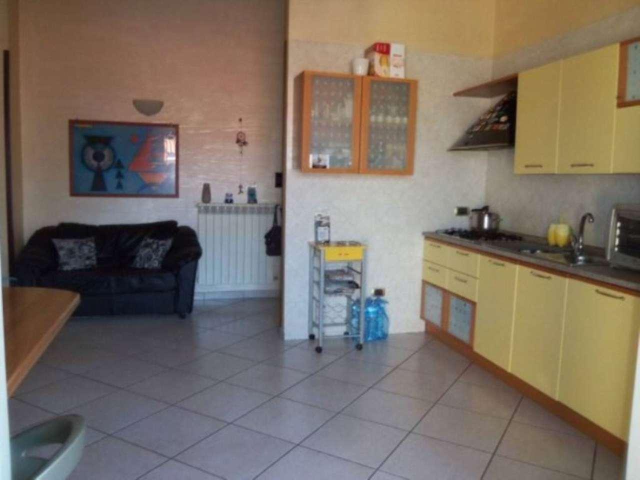 Bilocale Giugliano in Campania Via Della Torre 1