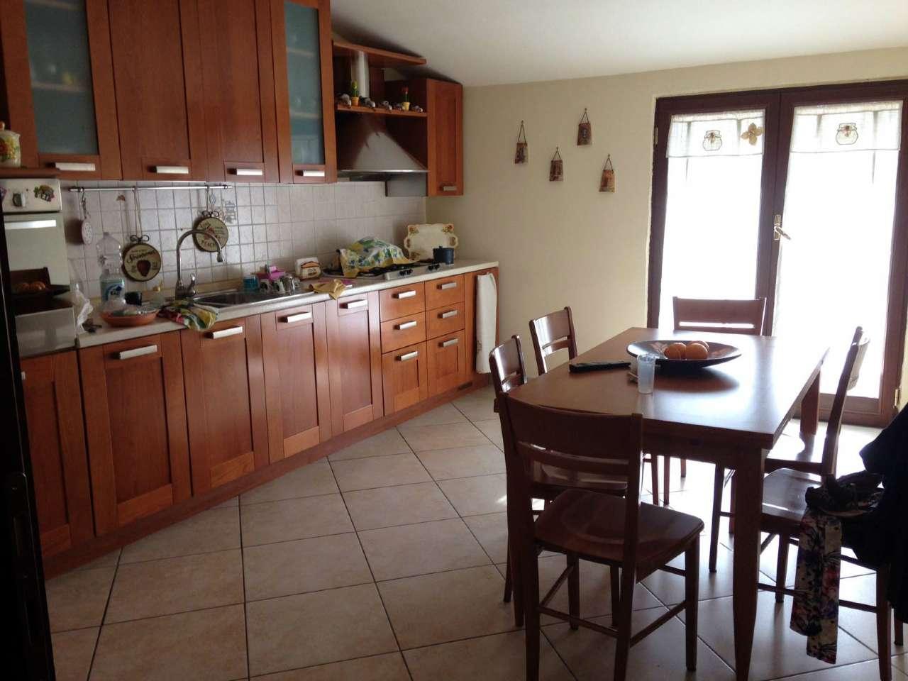 Attico / Mansarda in affitto a Giugliano in Campania, 4 locali, prezzo € 380 | CambioCasa.it