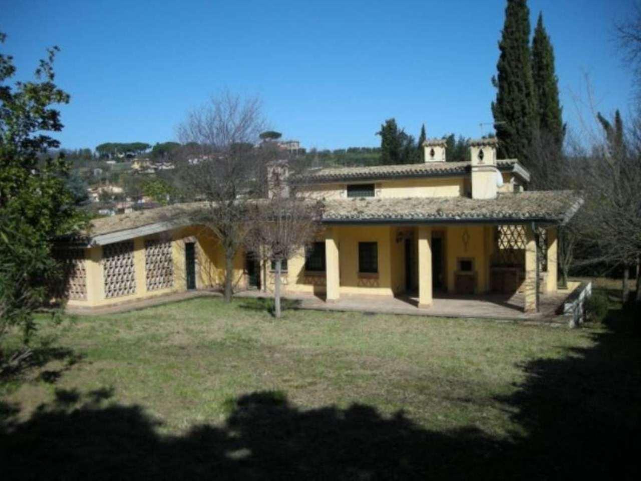Villa in vendita a Fonte Nuova, 6 locali, Trattative riservate | CambioCasa.it