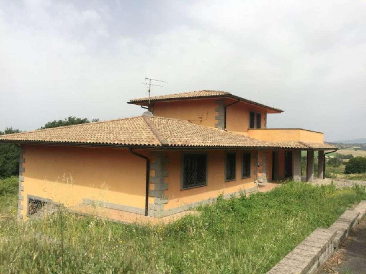 Villa in vendita a Campagnano di Roma, 10 locali, Trattative riservate | Cambio Casa.it