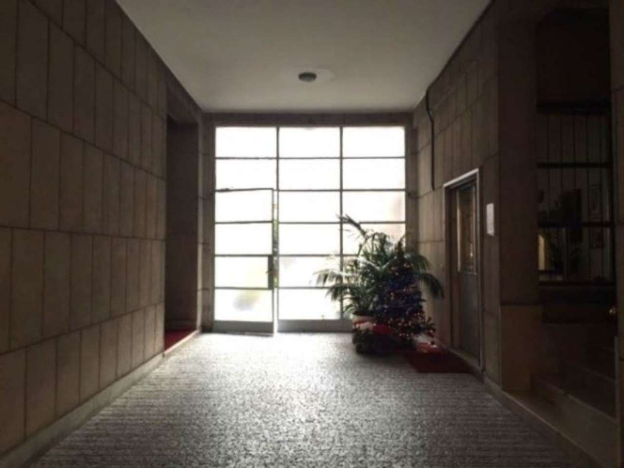Laboratorio in affitto a Milano, 6 locali, zona Zona: 1 . Centro Storico, Duomo, Brera, Cadorna, Cattolica, prezzo € 1.925 | CambioCasa.it