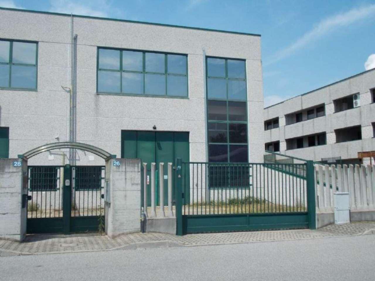 Capannone in affitto a Assago, 1 locali, prezzo € 1.850 | Cambio Casa.it