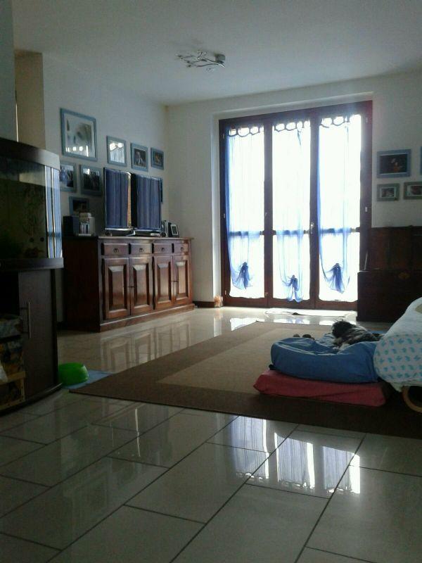 Appartamento in vendita a Rozzano, 4 locali, prezzo € 265.000 | Cambio Casa.it