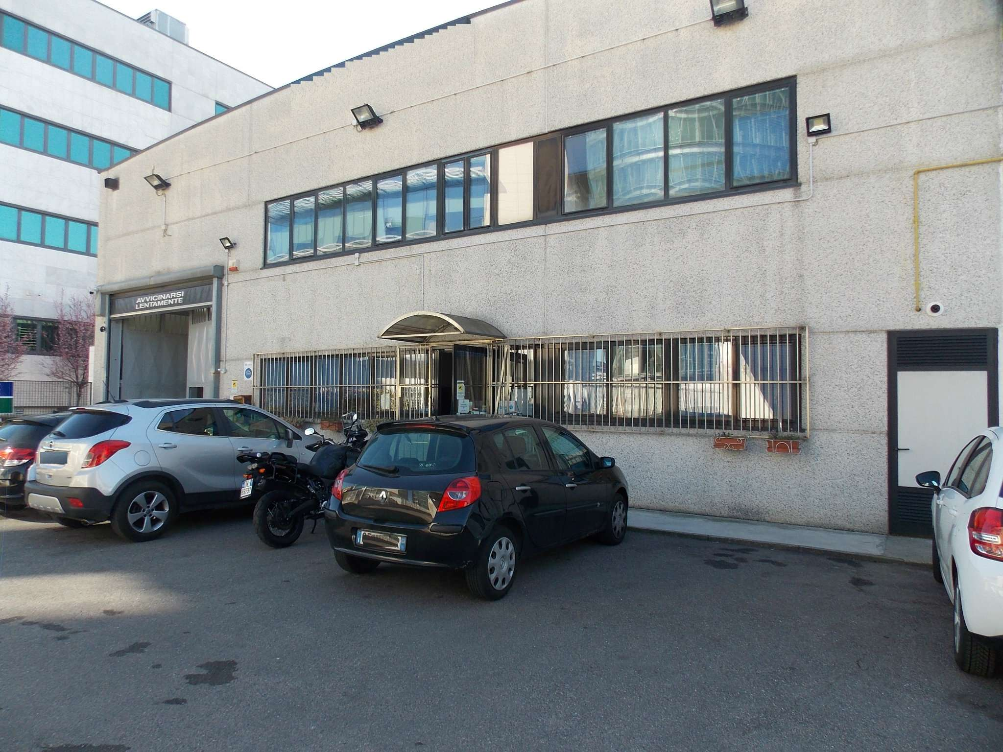 Capannone in affitto a Milano, 1 locali, zona Zona: 13 . Baggio, Forze Armate, Quinto Romano, Bisceglie, Valsesia, prezzo € 8.000 | Cambio Casa.it