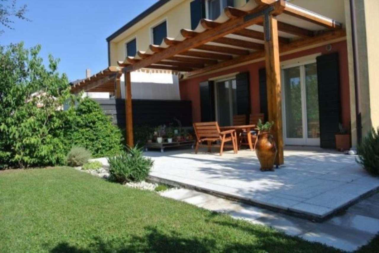 Villa in vendita a Venezia, 6 locali, zona Zona: 13 . Zelarino, prezzo € 350.000   Cambio Casa.it