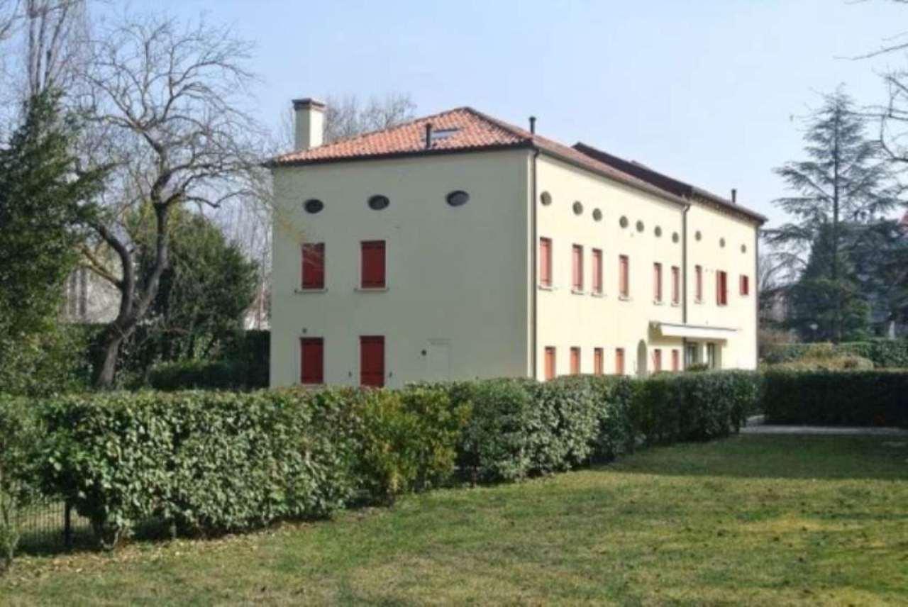 Rustico / Casale in vendita a Venezia, 6 locali, zona Zona: 13 . Zelarino, prezzo € 395.000 | Cambio Casa.it