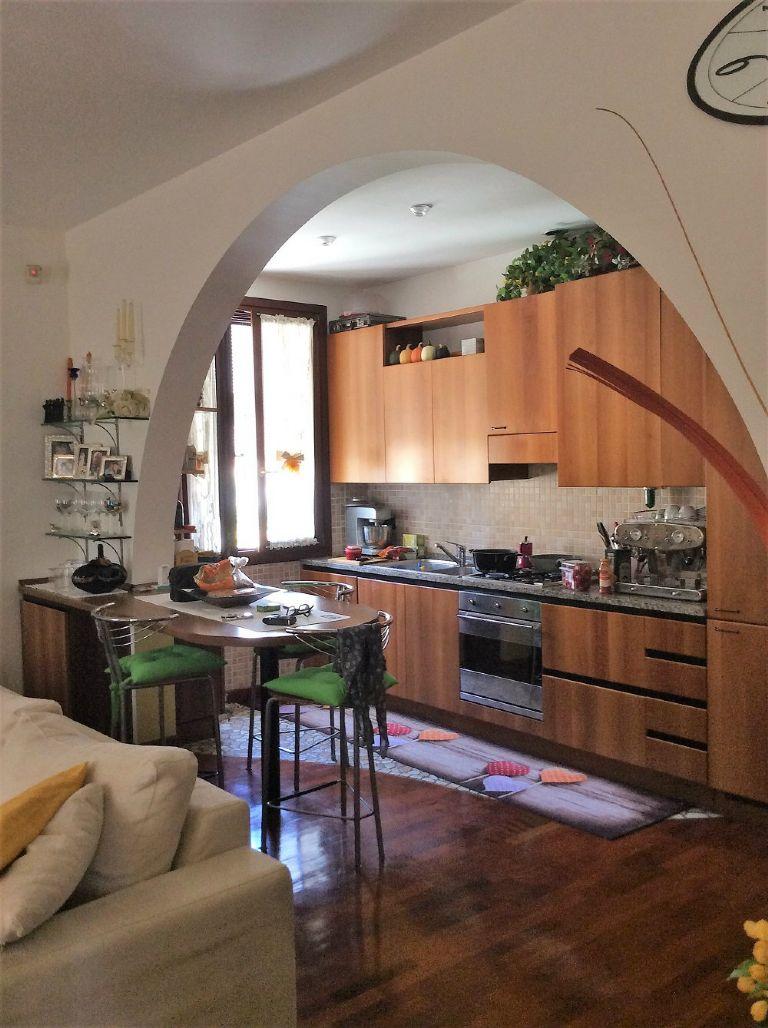 Appartamento in vendita a Venezia, 3 locali, zona Zona: 11 . Mestre, prezzo € 125.000 | Cambio Casa.it