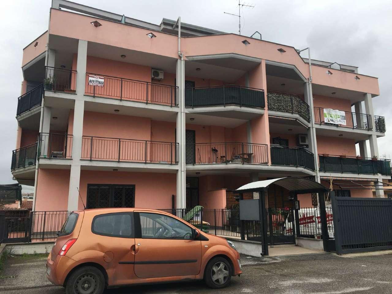 Trilocale in affitto a Roma in Via Vincenzo Alberti, 25
