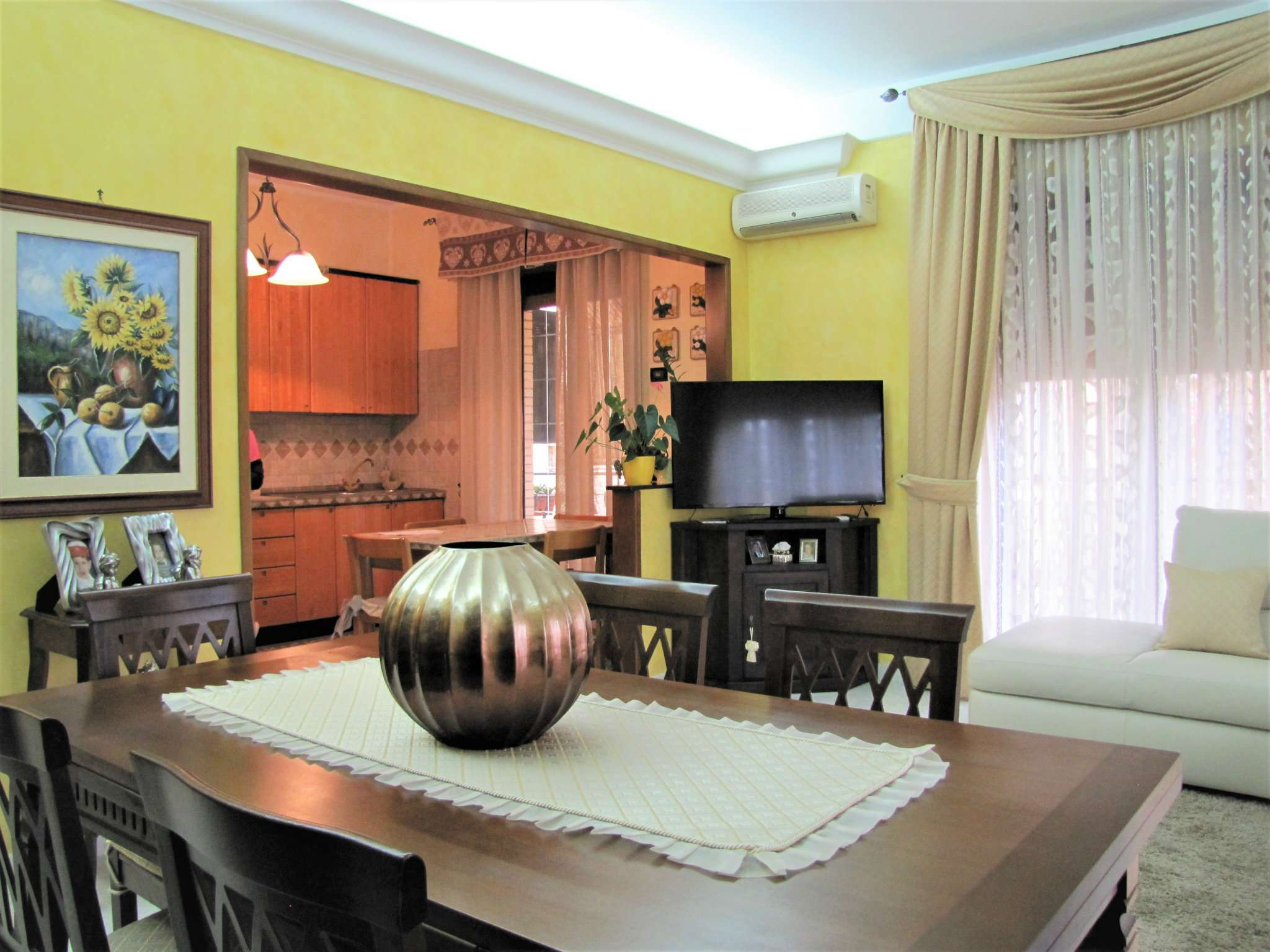 Appartamento in vendita 3 vani 86 mq.  via cianciana 9 Roma