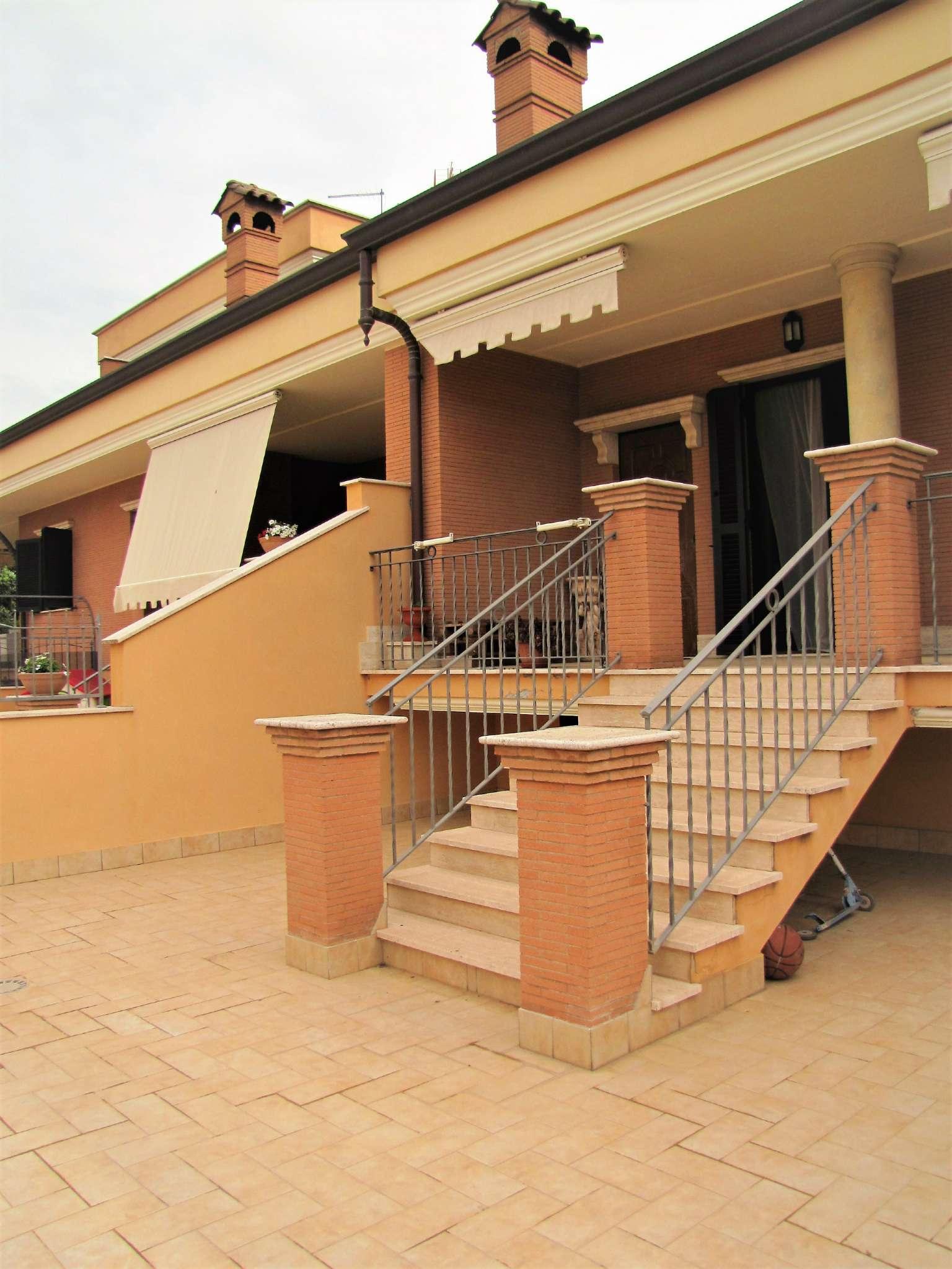 Foto 4 di Villa a Schiera via MITTA 6, Roma (zona Finocchio - Torre Gaia - Tor Vergata)