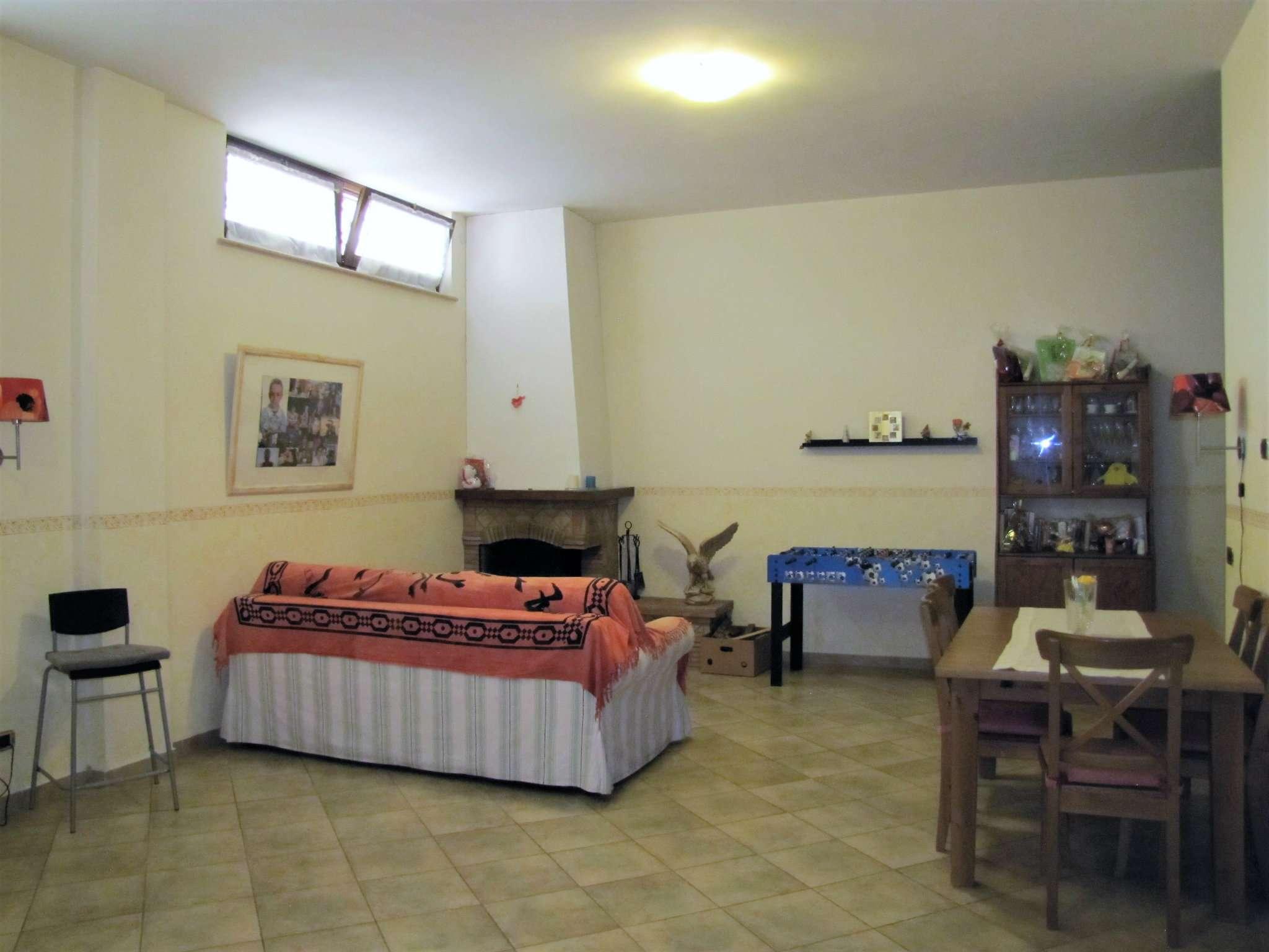 Foto 11 di Villa a Schiera via MITTA 6, Roma (zona Finocchio - Torre Gaia - Tor Vergata)