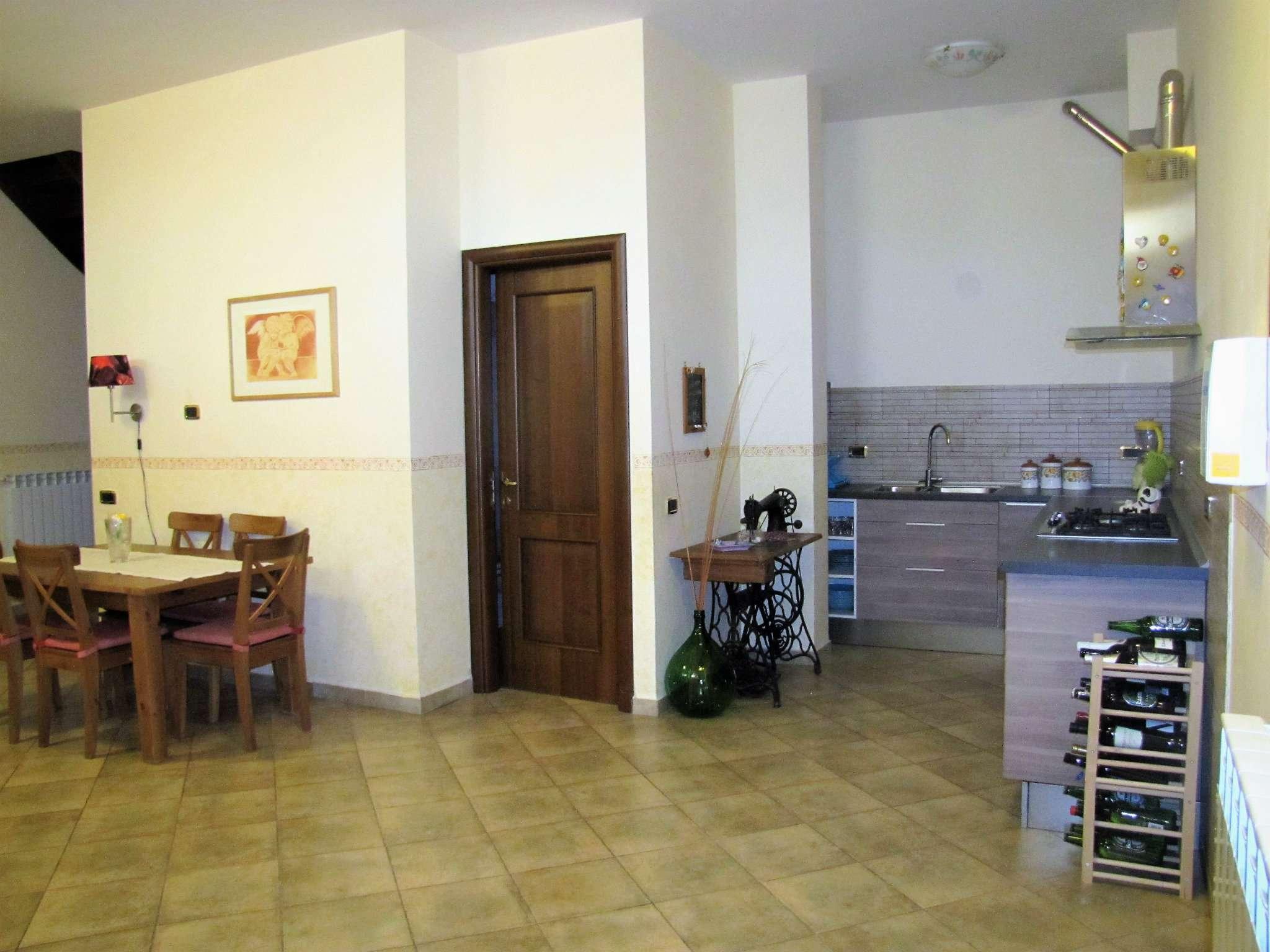 Foto 12 di Villa a Schiera via MITTA 6, Roma (zona Finocchio - Torre Gaia - Tor Vergata)