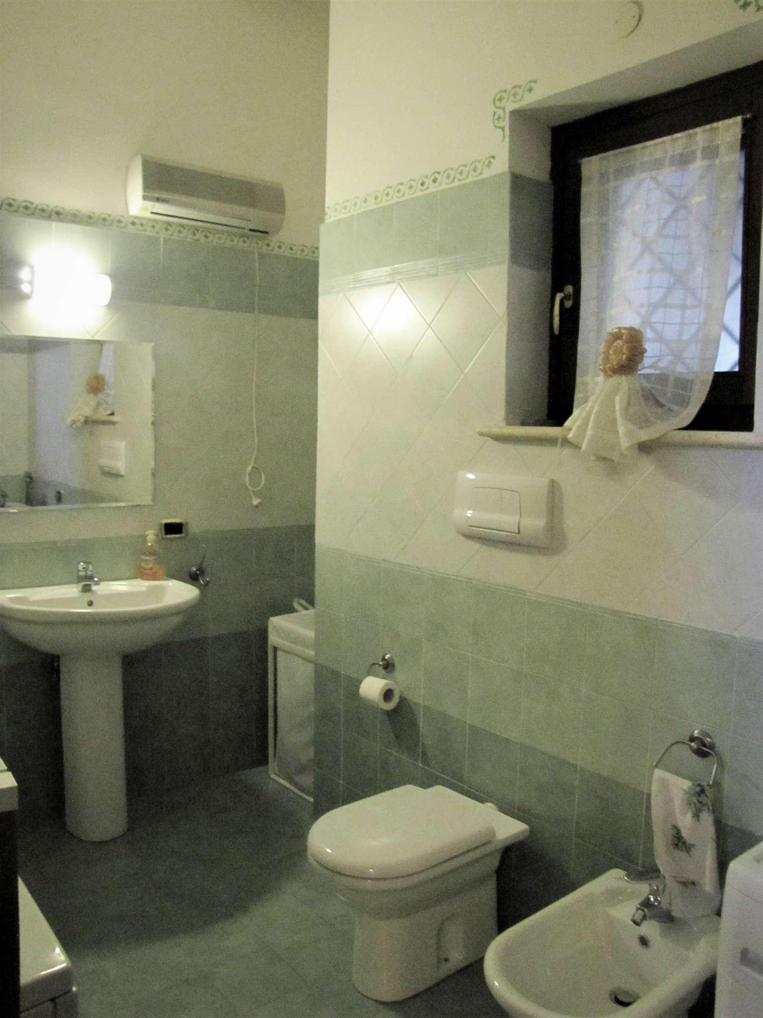 Foto 14 di Villa a Schiera via MITTA 6, Roma (zona Finocchio - Torre Gaia - Tor Vergata)
