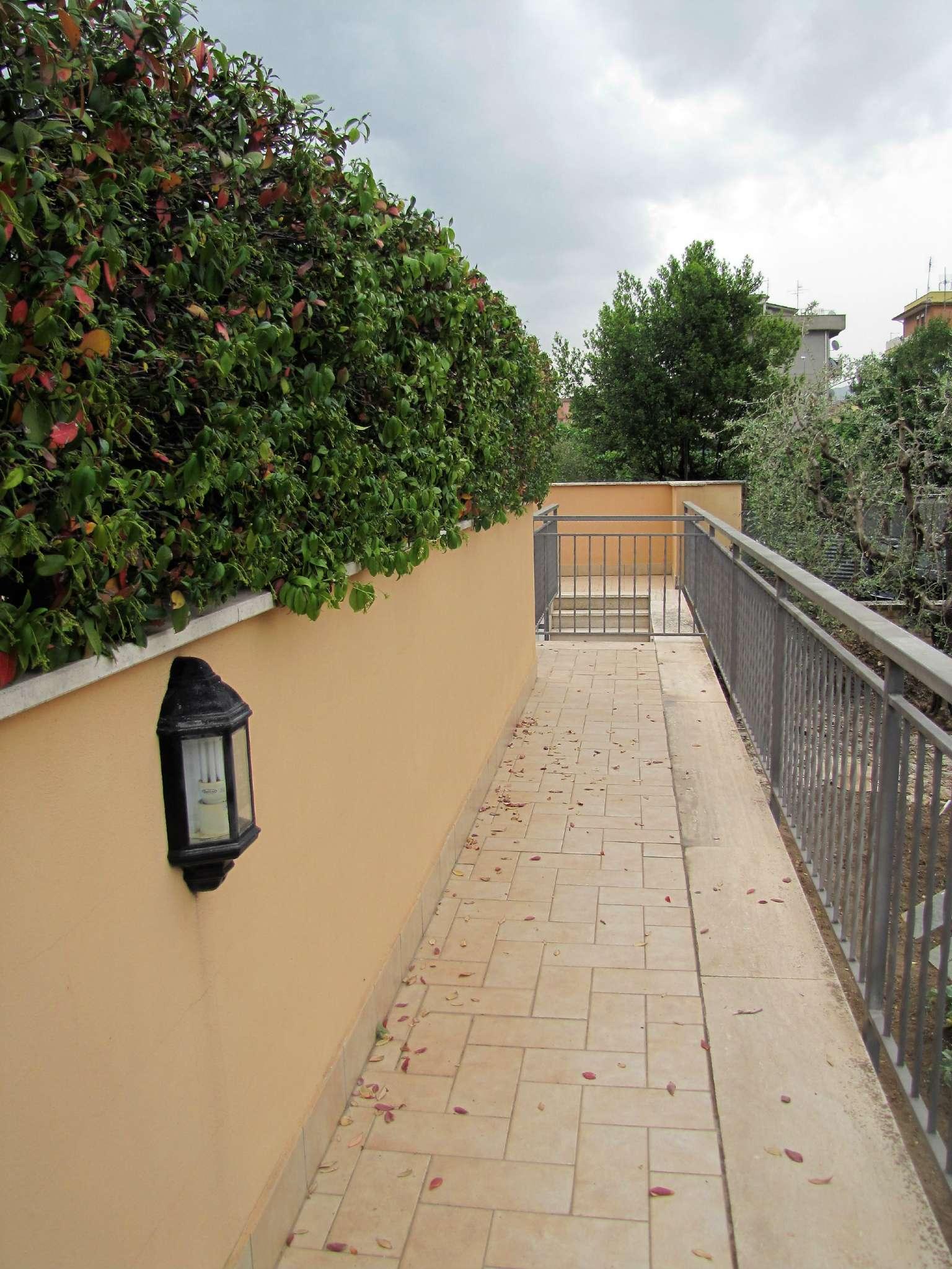Foto 20 di Villa a Schiera via MITTA 6, Roma (zona Finocchio - Torre Gaia - Tor Vergata)