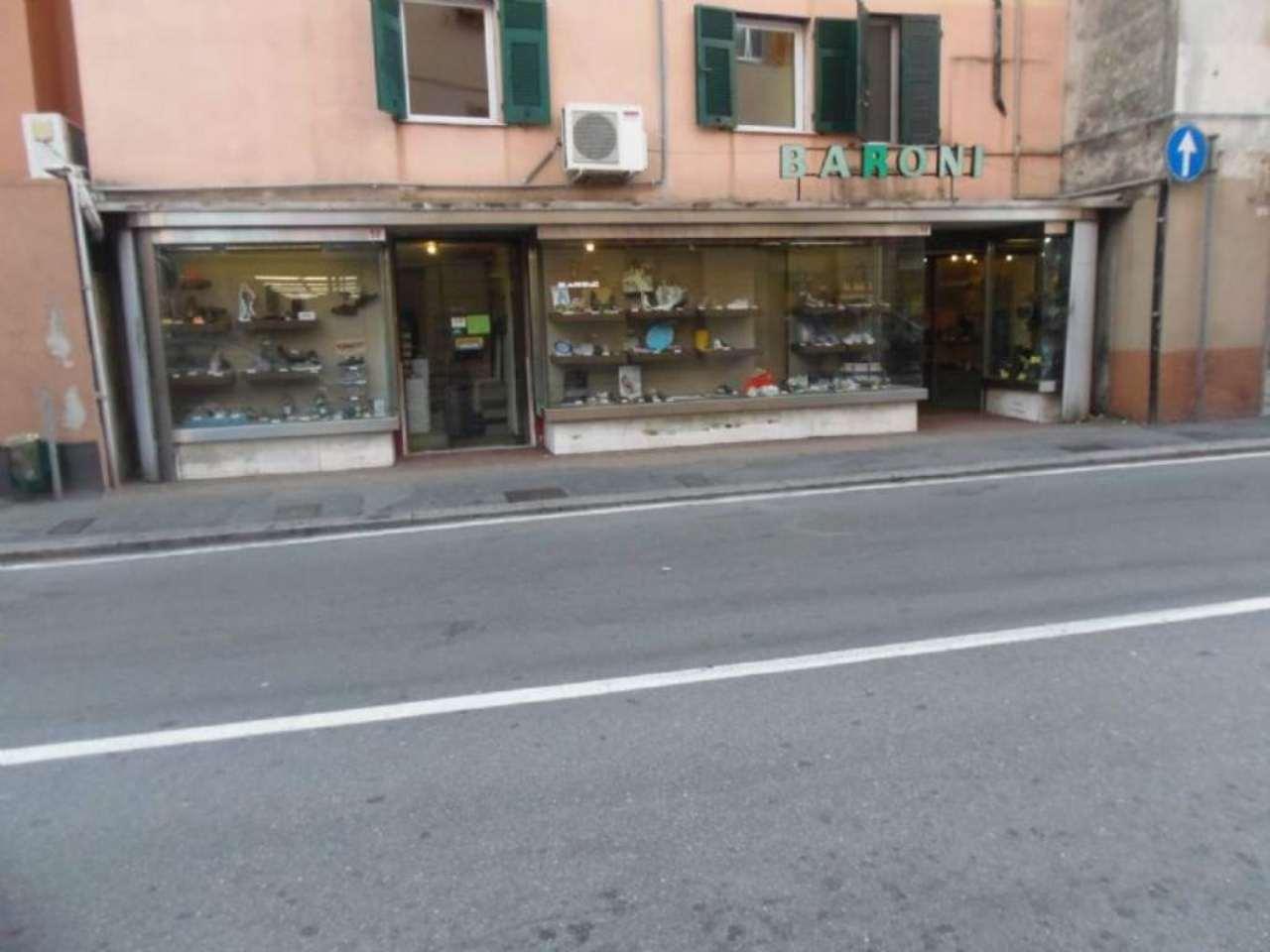 Negozio / Locale in affitto a Genova, 6 locali, zona Zona: 13 . Sestri Ponente, Medio Ponente, prezzo € 1.900 | Cambio Casa.it