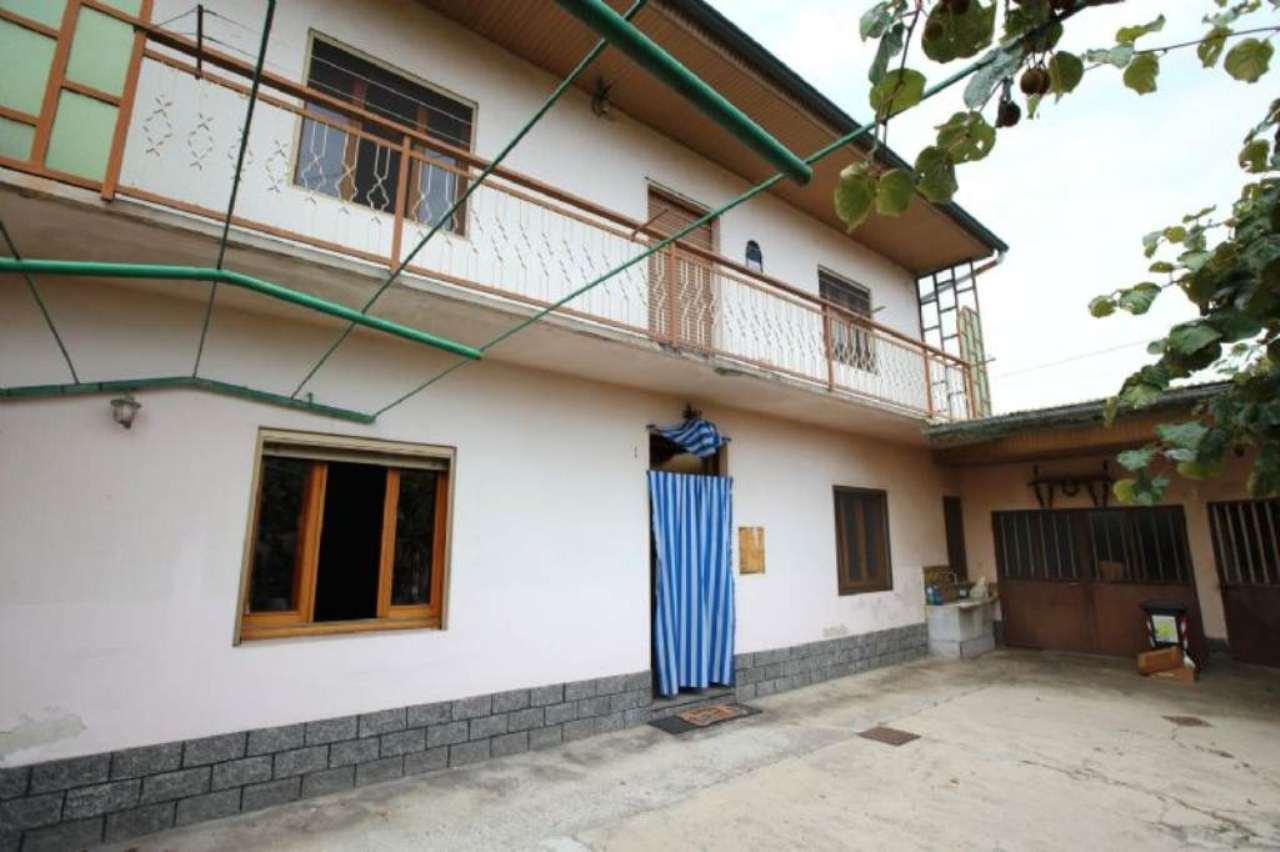 Soluzione Indipendente in vendita a Chivasso, 4 locali, prezzo € 128.000   Cambio Casa.it