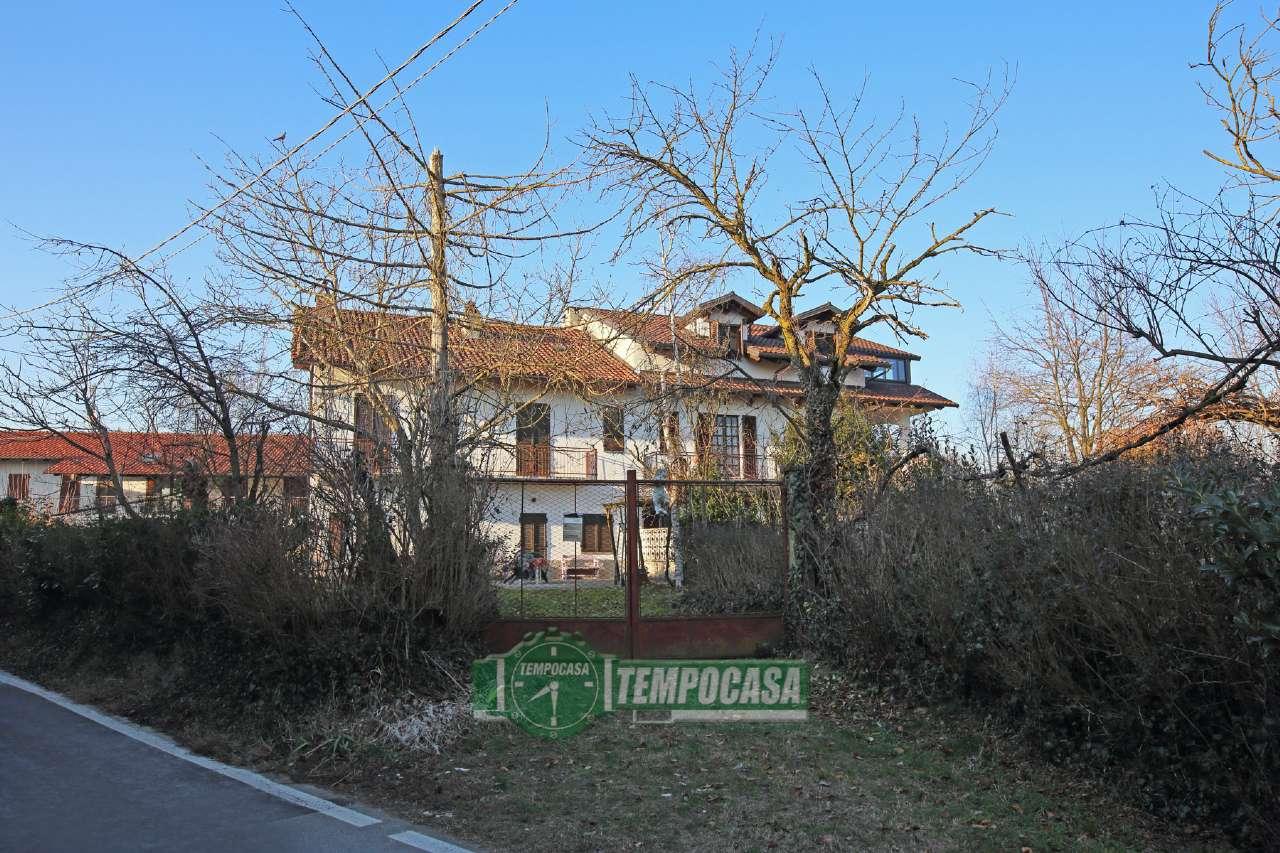 Soluzione Indipendente in vendita a Chivasso, 7 locali, prezzo € 115.000 | Cambio Casa.it