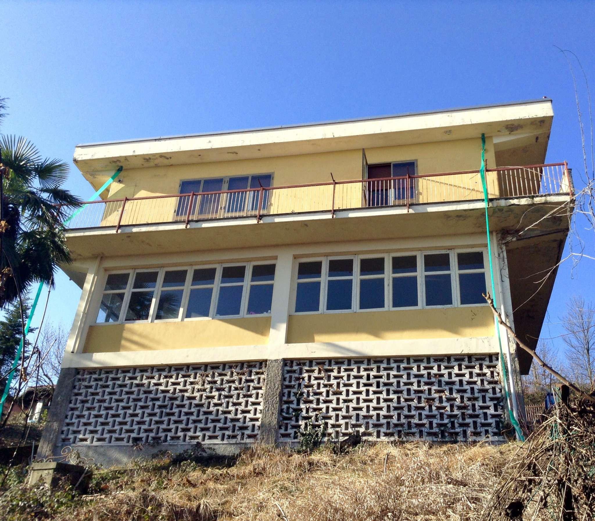 Soluzione Indipendente in vendita a Castagneto Po, 8 locali, prezzo € 129.000   Cambio Casa.it