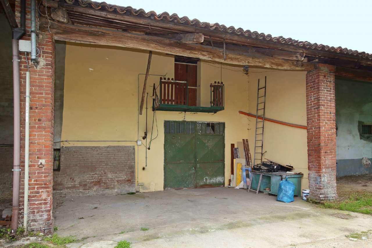 Palazzo / Stabile in vendita a Chivasso, 2 locali, prezzo € 24.000 | CambioCasa.it