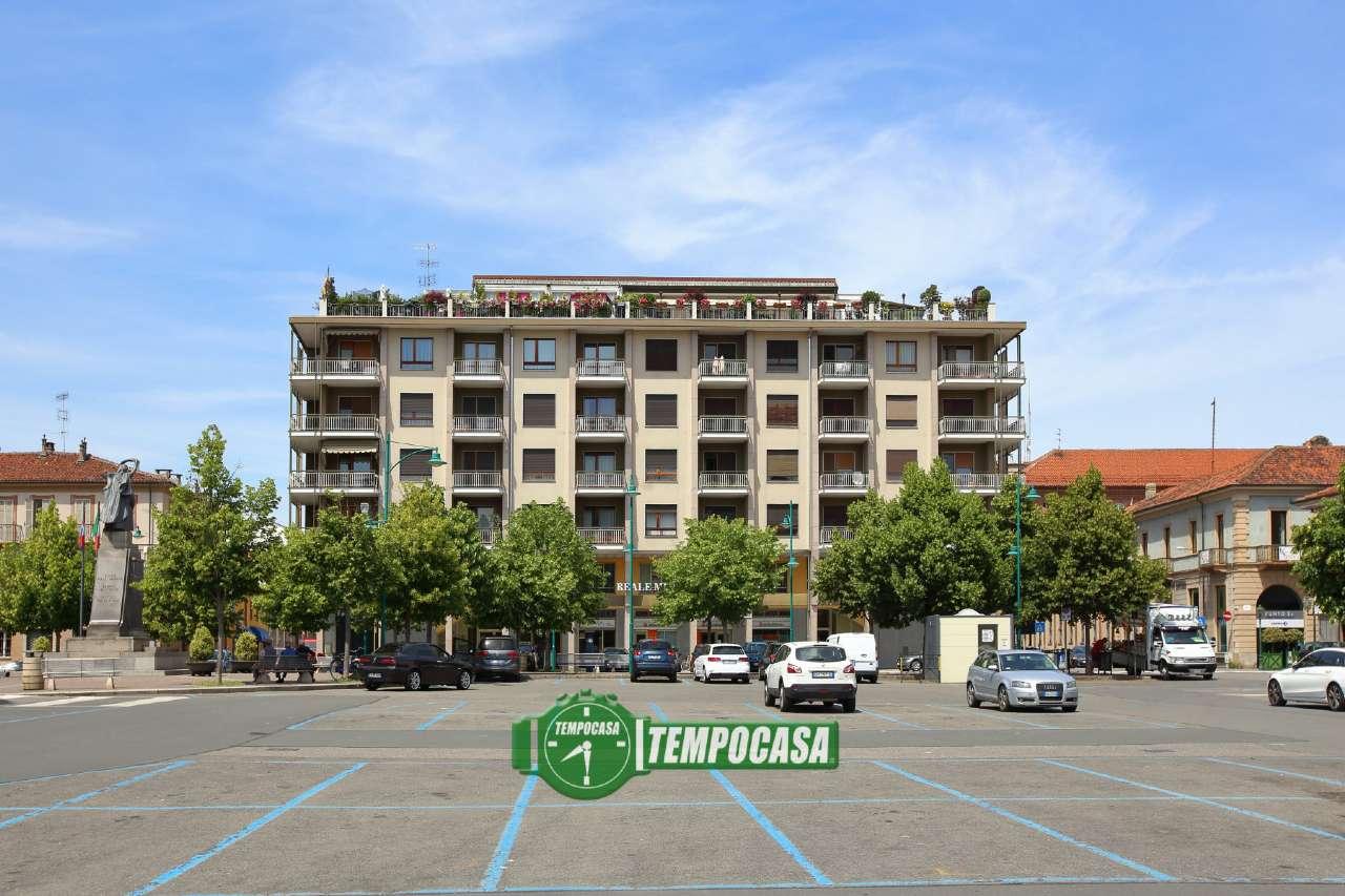 Appartamento in affitto a Chivasso, 6 locali, prezzo € 800 | CambioCasa.it