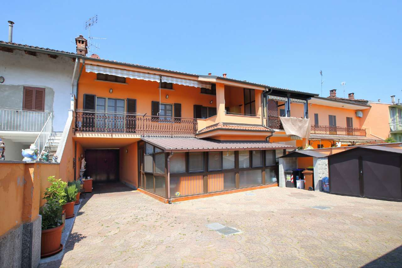 Soluzione Indipendente in vendita a Verolengo, 8 locali, prezzo € 185.000 | CambioCasa.it