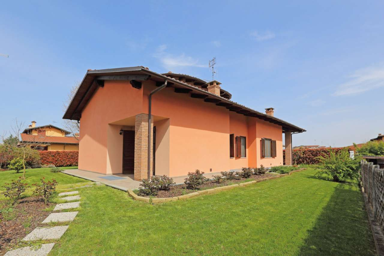 Soluzione Indipendente in vendita a Torrazza Piemonte, 7 locali, prezzo € 270.000 | CambioCasa.it