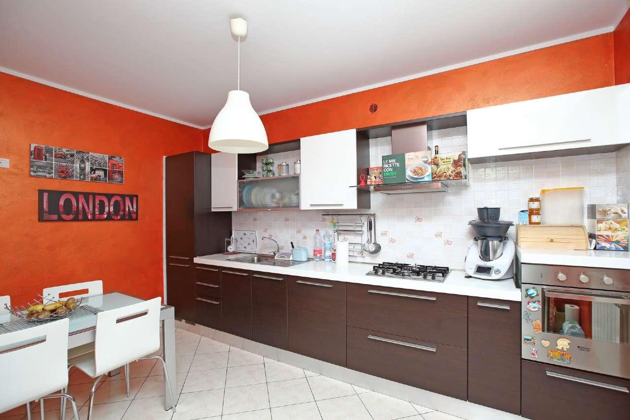 Appartamento in vendita a Chivasso, 4 locali, prezzo € 147.000 | CambioCasa.it