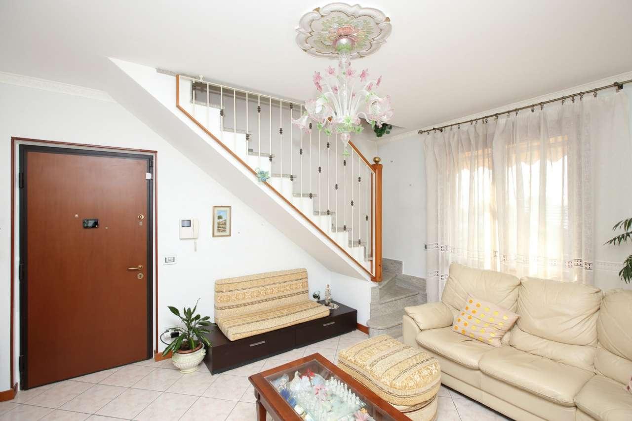 Foto 1 di Appartamento via Cena, Chivasso