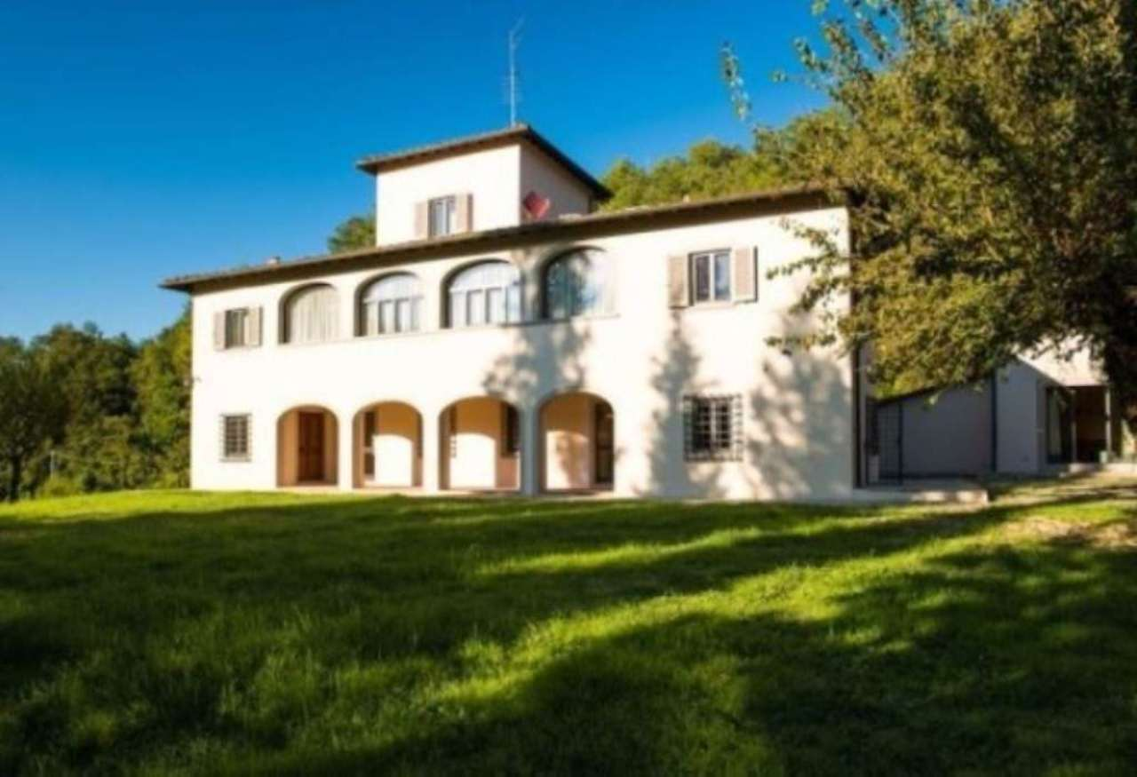 Villa in affitto a Reggello, 6 locali, prezzo € 5.000 | Cambio Casa.it