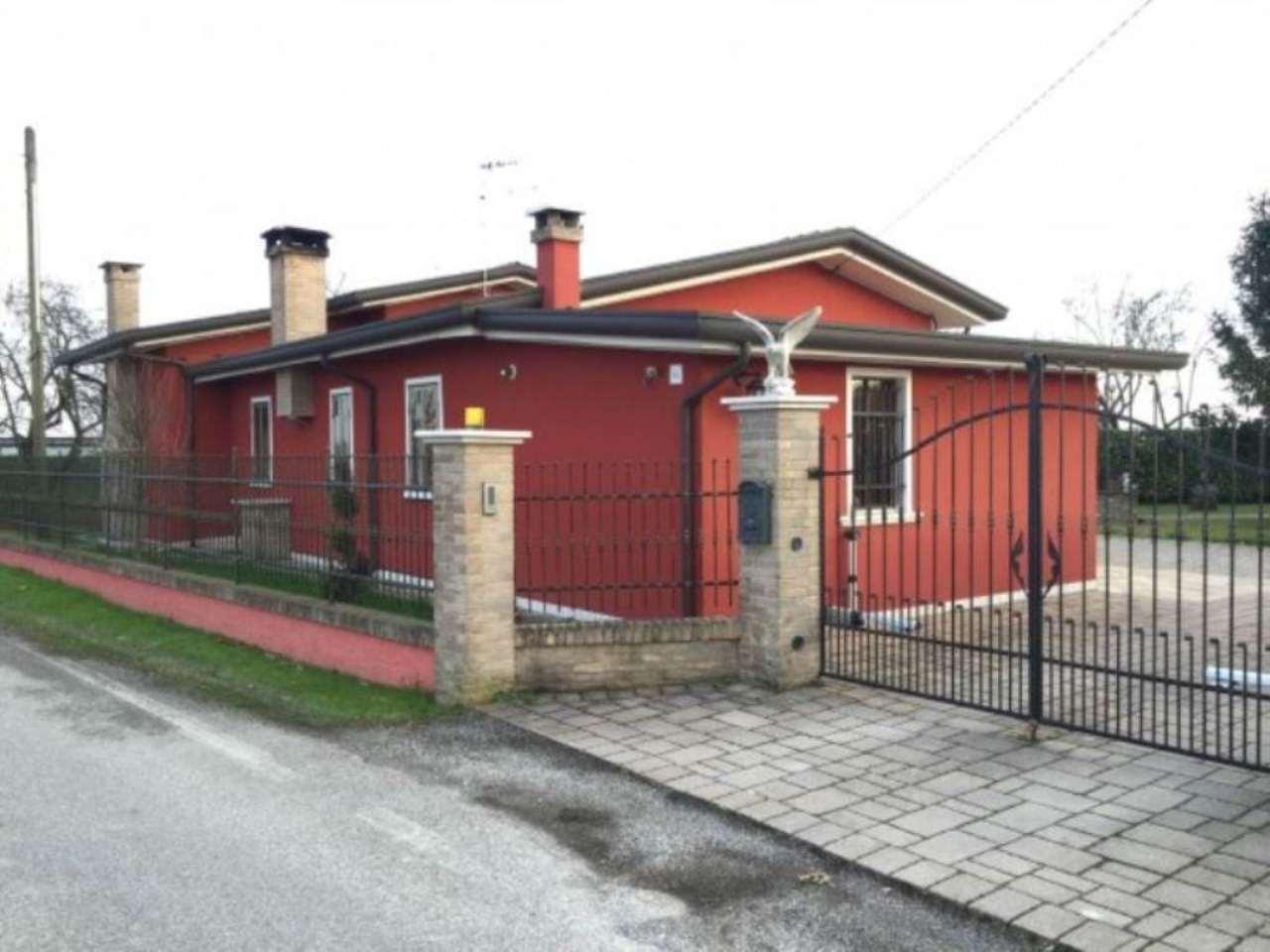 Villa in vendita a Mira, 4 locali, prezzo € 162.000   Cambio Casa.it