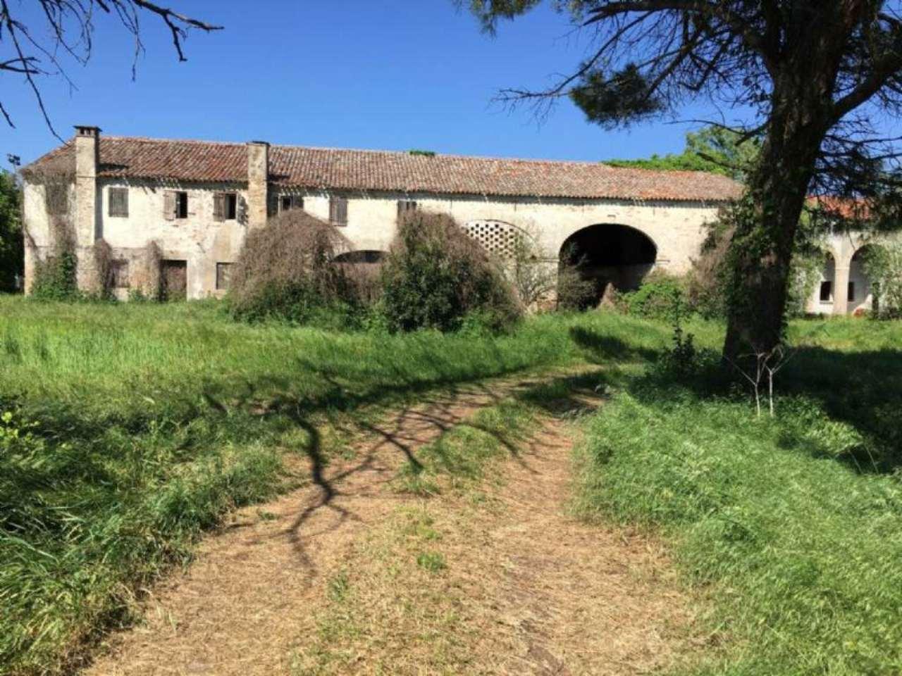 Rustico / Casale in vendita a Arzergrande, 5 locali, Trattative riservate | Cambio Casa.it