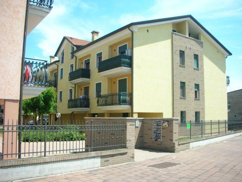 Appartamento in vendita a Conselve, 5 locali, prezzo € 135.000 | Cambio Casa.it