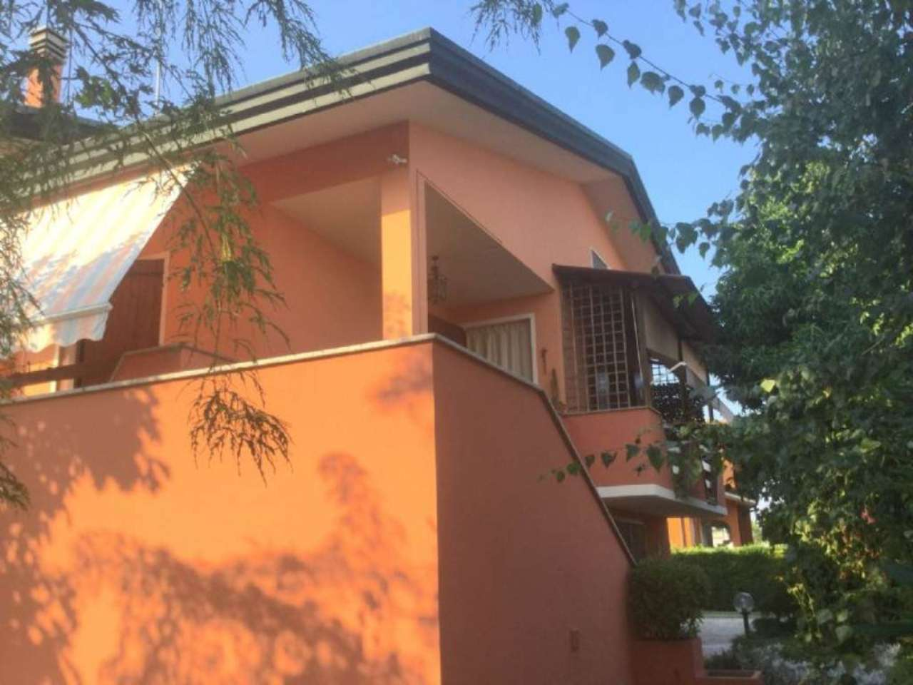 Villa in vendita a Legnaro, 7 locali, prezzo € 320.000 | CambioCasa.it